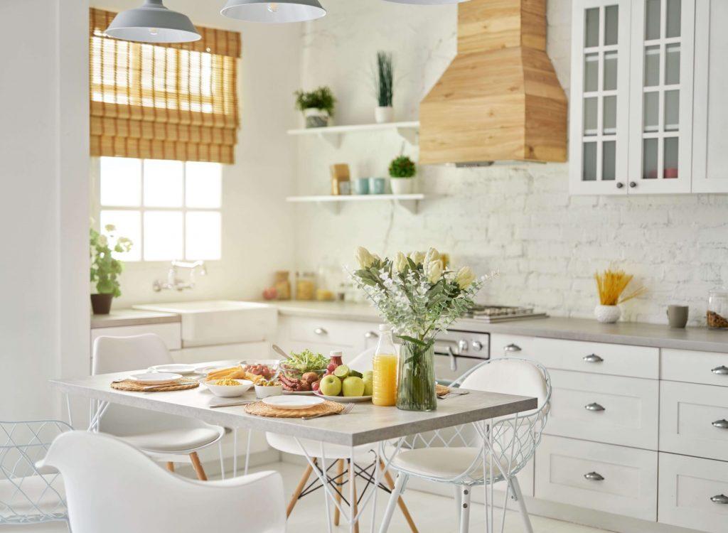 cozy-kitchen-modern-bright-white-kitchen-interior - 6Z5ZPYE (1)
